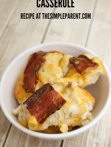 This bacon egg cheese breakfast casserole is a great way to celebrate brunch with your family!