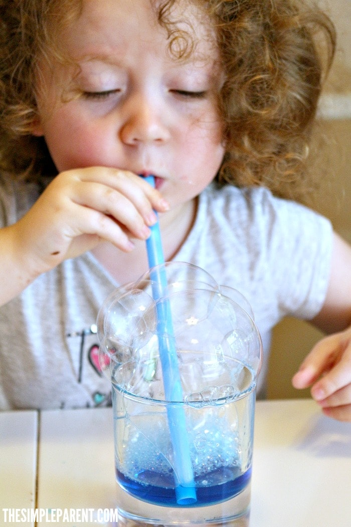 Learn how to make easy preschool bubble art!