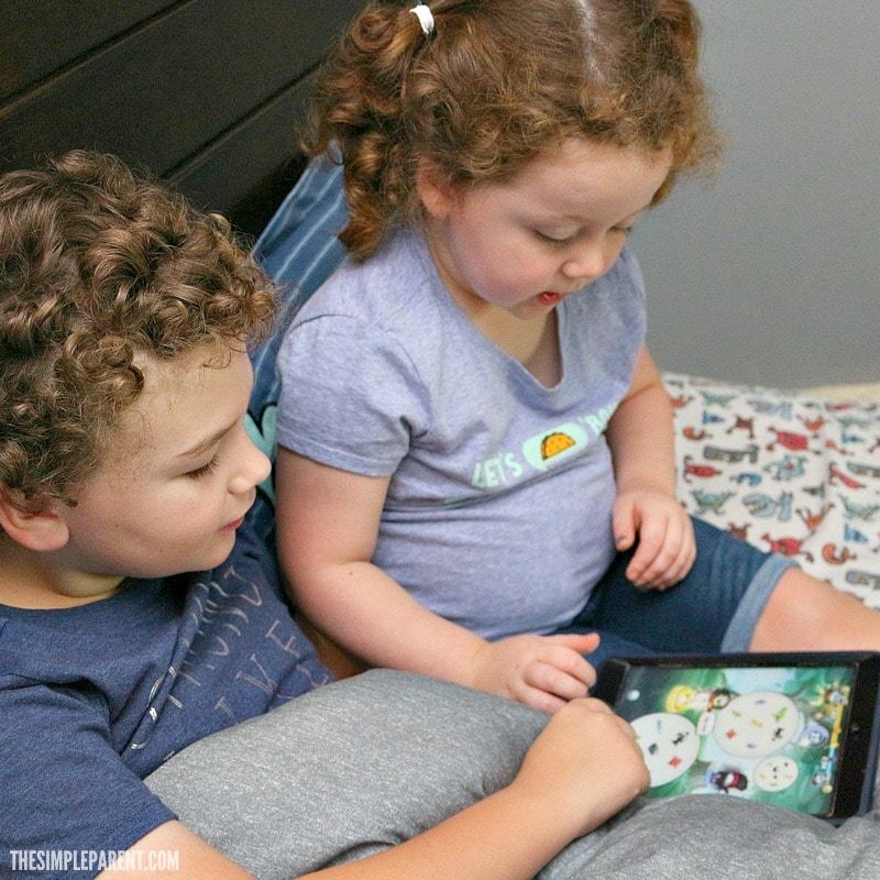 Check out how you can play the Spot It game online! It's perfect for playing anywhere you go! The kids love it!