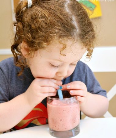 The Best Strawberry Banana Smoothie Recipe Has a Secret Ingredient
