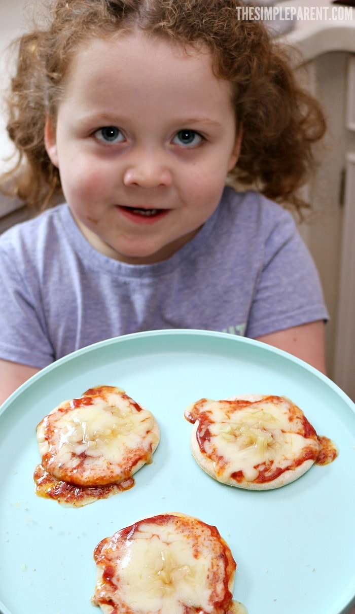 Lunchables Organic is a great way to agree with your kids on what's to eat! They're kid approved and parents can feel good about them too!