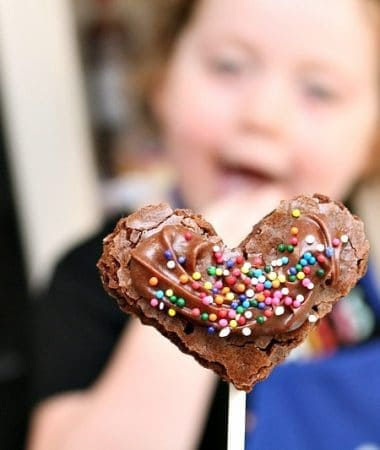 Make easy brownie pops to celebrate everything from back to school to birthdays and more!