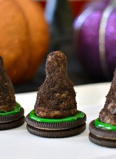 Make Halloween Witches Hats cookies with your family!