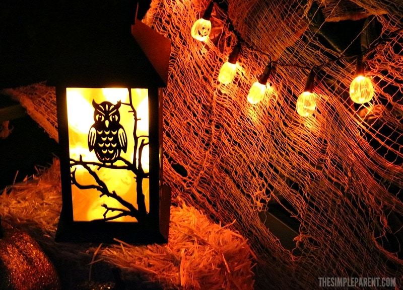 Try these easy Halloween decorating ideas to add a festive touch to your front yard this year!