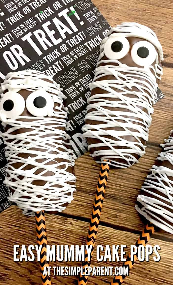 Make easy Mummy Cake Pops for Halloween! Grab your snack cakes and turn them into spooky friends!