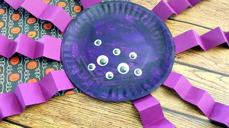 Spider Paper Plate Craft for Halloween that Is Cute & Easy to Make