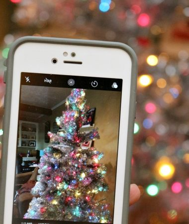 Learn how to take good holiday photos with your phone!