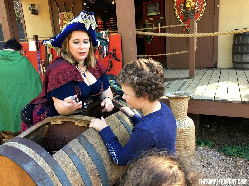 Enjoy the Texas Renaissance Festival 2017 with your family!