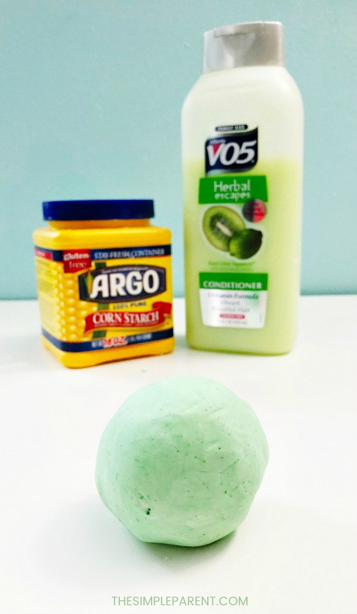 Make cornstarch playdough with ingredients from around the house! It's an easy way to keep the kids busy!