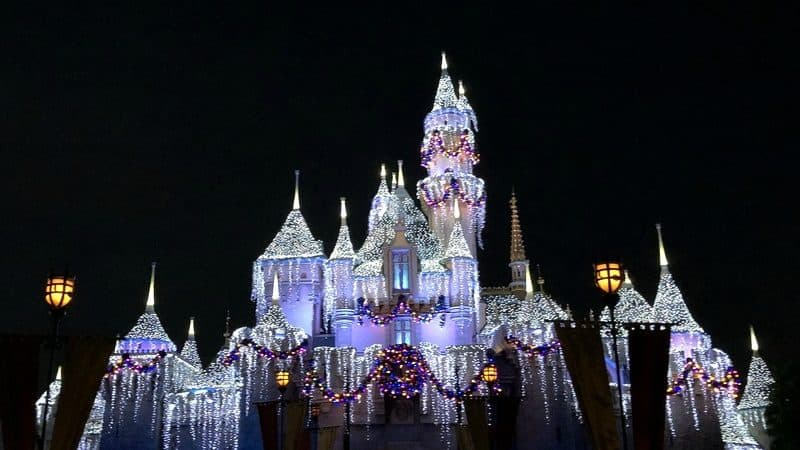 Experiencing Disneyland Holidays & Rides You Must Ride