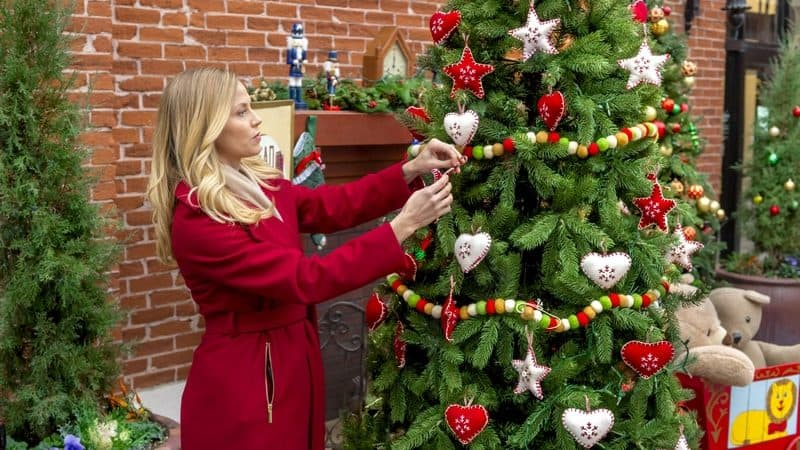 Hallmark Channel Christmas Movies 2017: Sharing Christmas Premieres 12/10