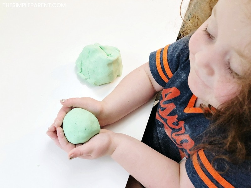 Learn how to make homemade playdough in a few easy steps!