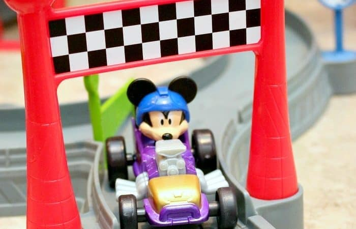 Mickey Ears Raceway for Mickey and the Roadster Racers Fans