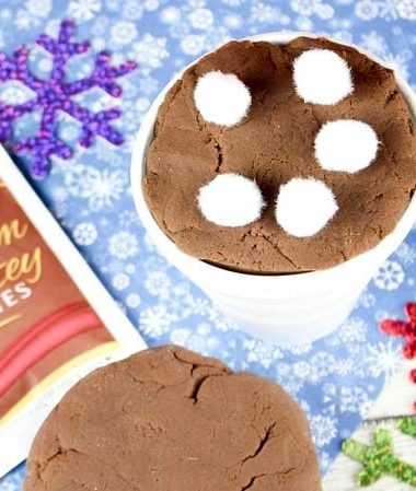 Hot Chocolate Playdough is a Fun Way to Spend a Snow Day