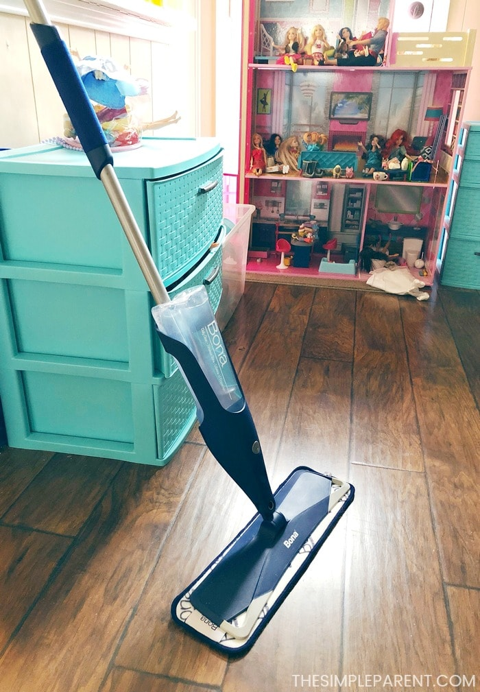 Add mopping to your weekly living room cleaning checklist!
