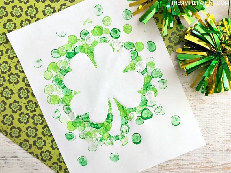 St. Patrick's Day Shamrock Marshmallow Painting Craft - DIY crafts are fun to do with kids of all ages and this painting activity is perfect for toddlers and preschool. It's fun way to practice fun motor skills!