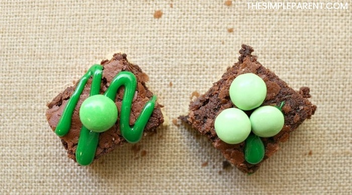 Enjoy making easy St. Patrick's Day brownies with your kids!