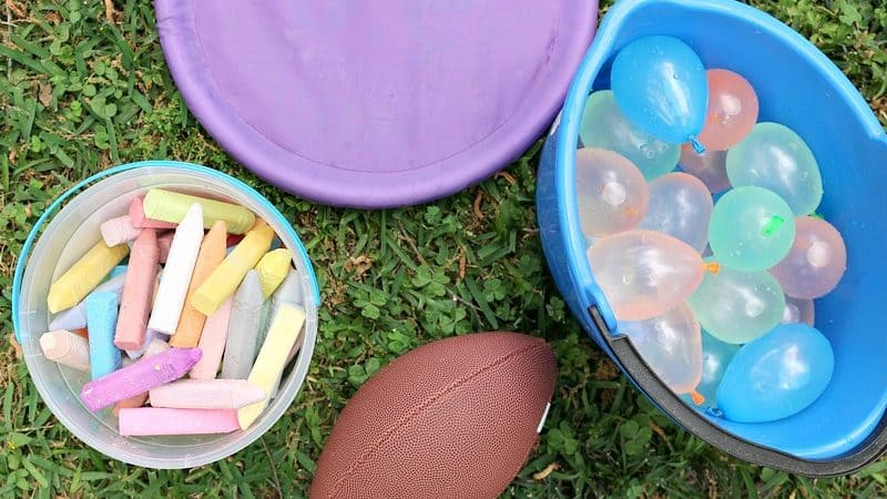 12+ Field Day Games for Kids of All Ages (Including Adults!)