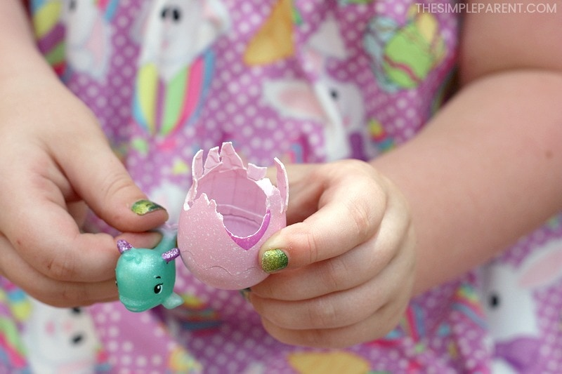 Showing a toy from Hatchimals CollEGGtibles.