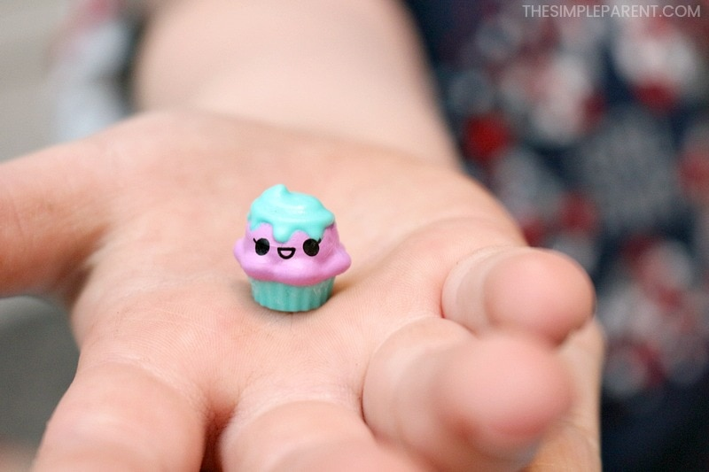 One of the cupcake collectibles you can get in the Pooparoos Surpriseroos box!