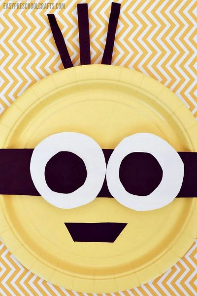 Finished paper plate Minions craft for toddlers