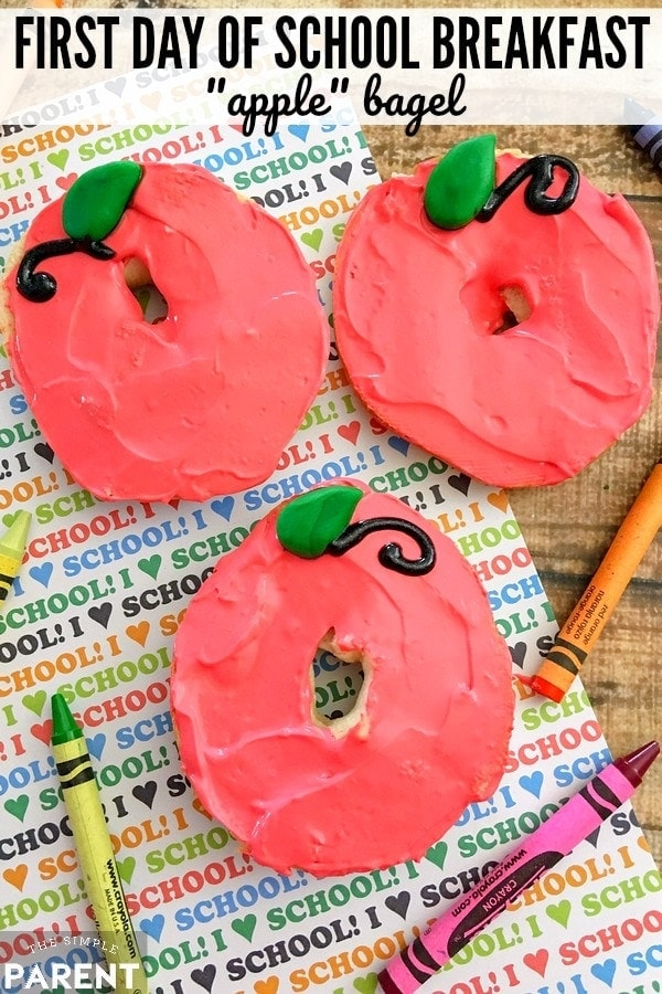 Start a first day of school breakfast tradition by making this cute (and easy) apple craft that's also edible!
