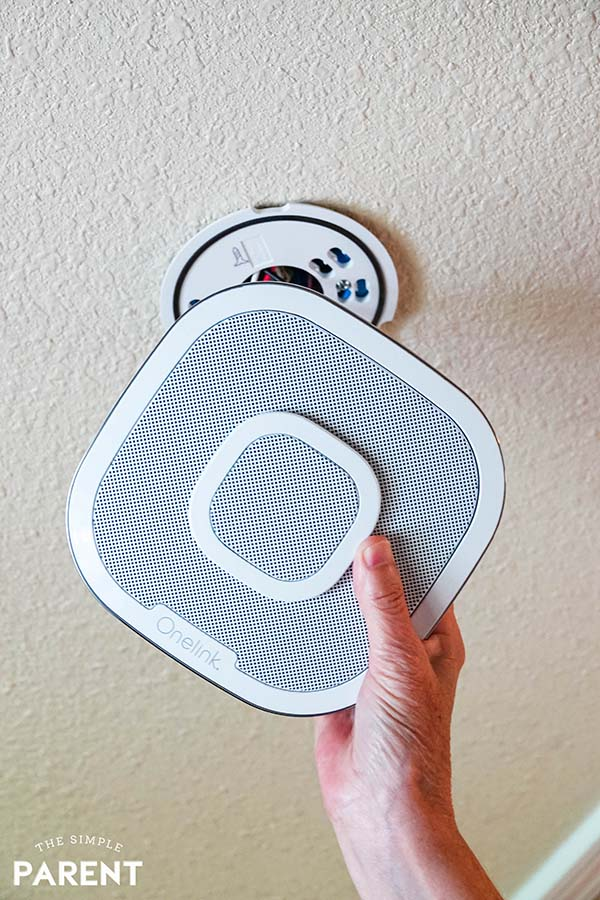 Installing the First Alert Safe and Sound smart smoke detector