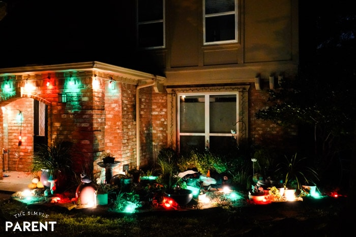 Outdoor Christmas decorations don't have to be complicated or stressful to be gorgeous! You can use lights for your porch or your yard! Whether your house is big or small, you can have amazing Christmas lights this year! Learn how!