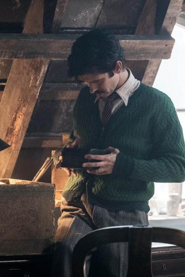 Ben Whishaw in Mary Poppins Returns