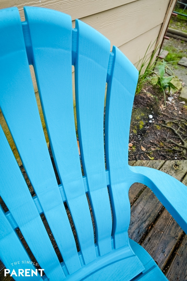 Bright clean deck chair after cleaning with Clorox Bleach Crystals