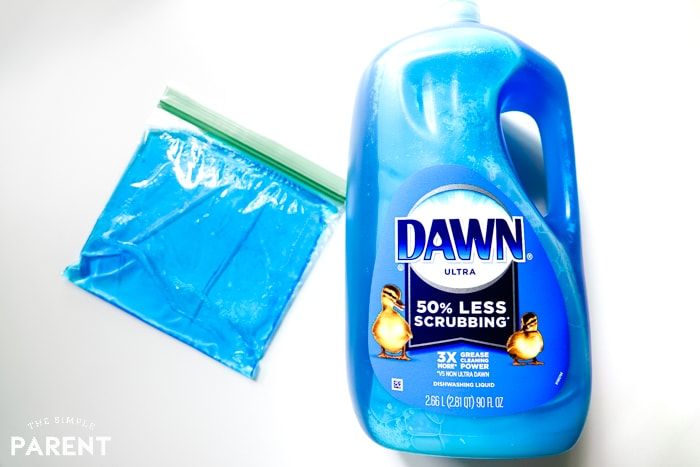 Reuseable DUY ice pack made with Dawn dish soap