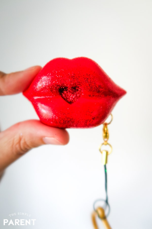 SWAK kissable keychain Shimmer Kiss