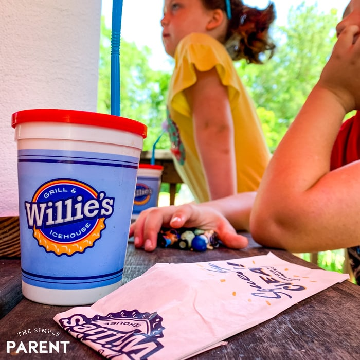 Willie's Grill kids drink cup