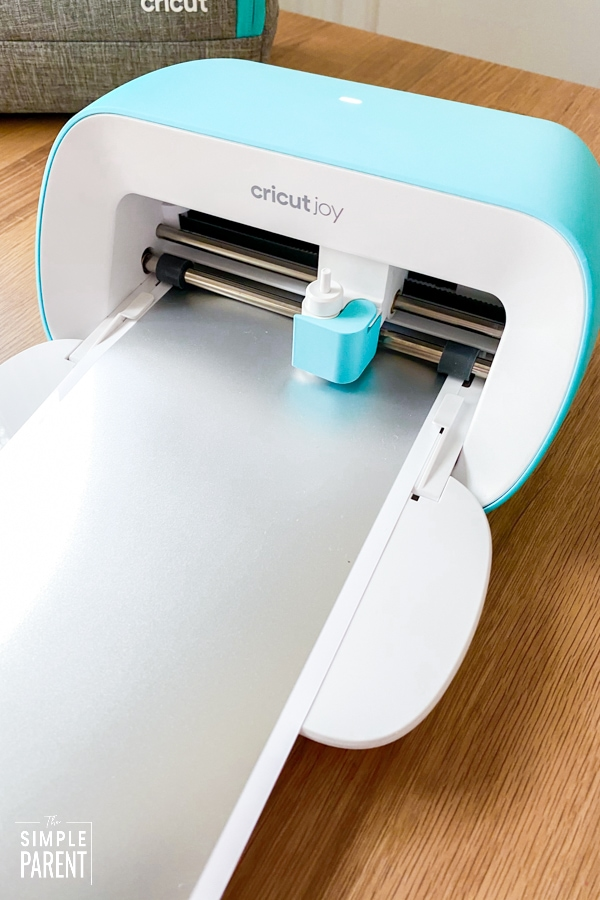 Cricut cutting silver vinyl