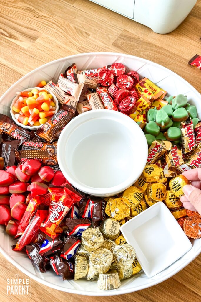 Step by step how to make a candy charcuterie board